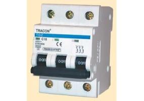 Tracon Tokozott kézikapcsoló, BE-KI 400V, 50Hz, 25A, 2P, 7,5kW, 48×48mm, 60°, IP44 TK-256/2T