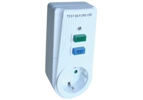 Tracon Áram-védőkapcsolós adapter, oldalsó védőérintkezővel 16A, 30mA, 6kA, IP40, A / AC, E2 TFGA-1